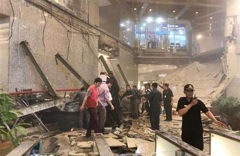#ジャカルタ証券取引所 ビル内部が崩落の瞬間!!#韓国 の #双竜建設 が施工 : 真実を追究する KSM WORLD