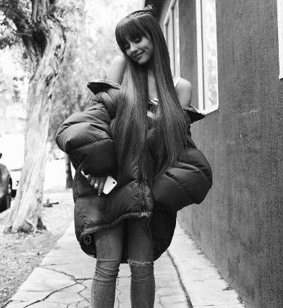 アリアナ・グランデ 「私は可愛いだけじゃない、誰よりも勤勉なの」でインスタ炎上
