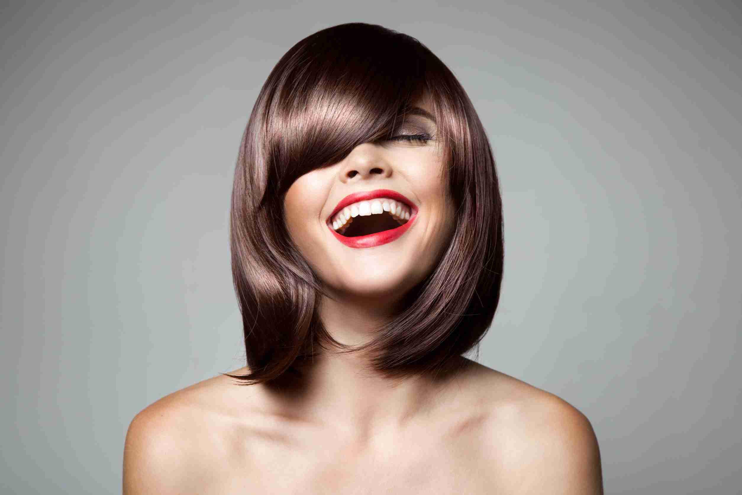 髪がツヤツヤになるおすすめの市販シャンプーランキング6選【口コミあり】