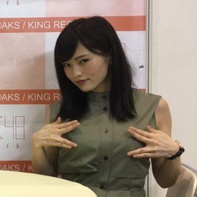 NMB48山本彩、肌見せショットで雰囲気ガラリ「大人セクシー」「美しすぎる」と絶賛の声