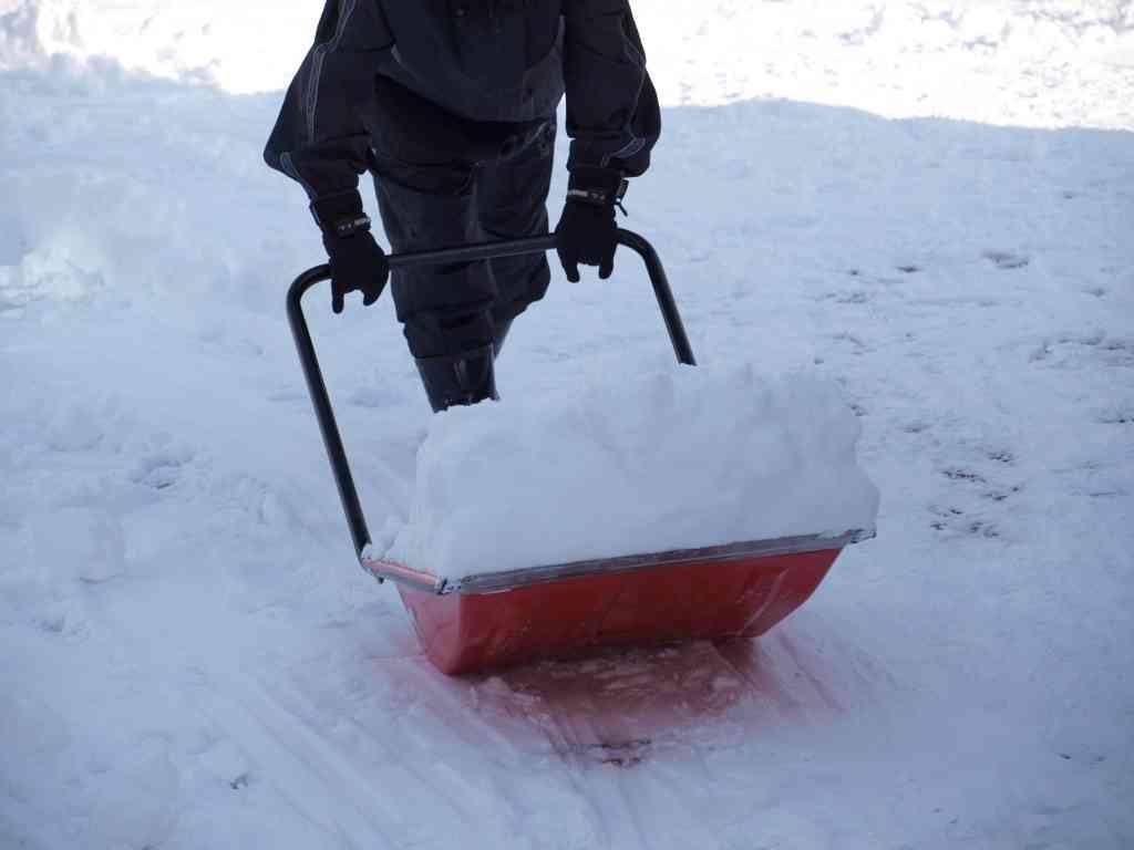 一軒家の雪かき。必ずやらないとダメなの?
