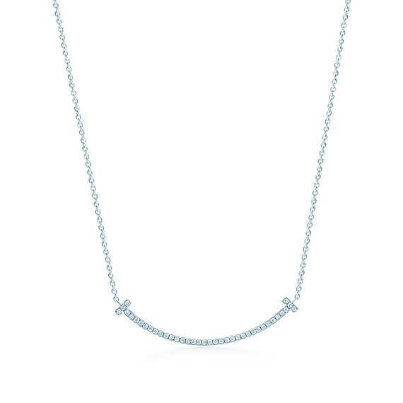 ティファニー T スマイル ペンダント(ミニ)ダイヤモンド 18Kホワイトゴールド | Tiffany & Co.