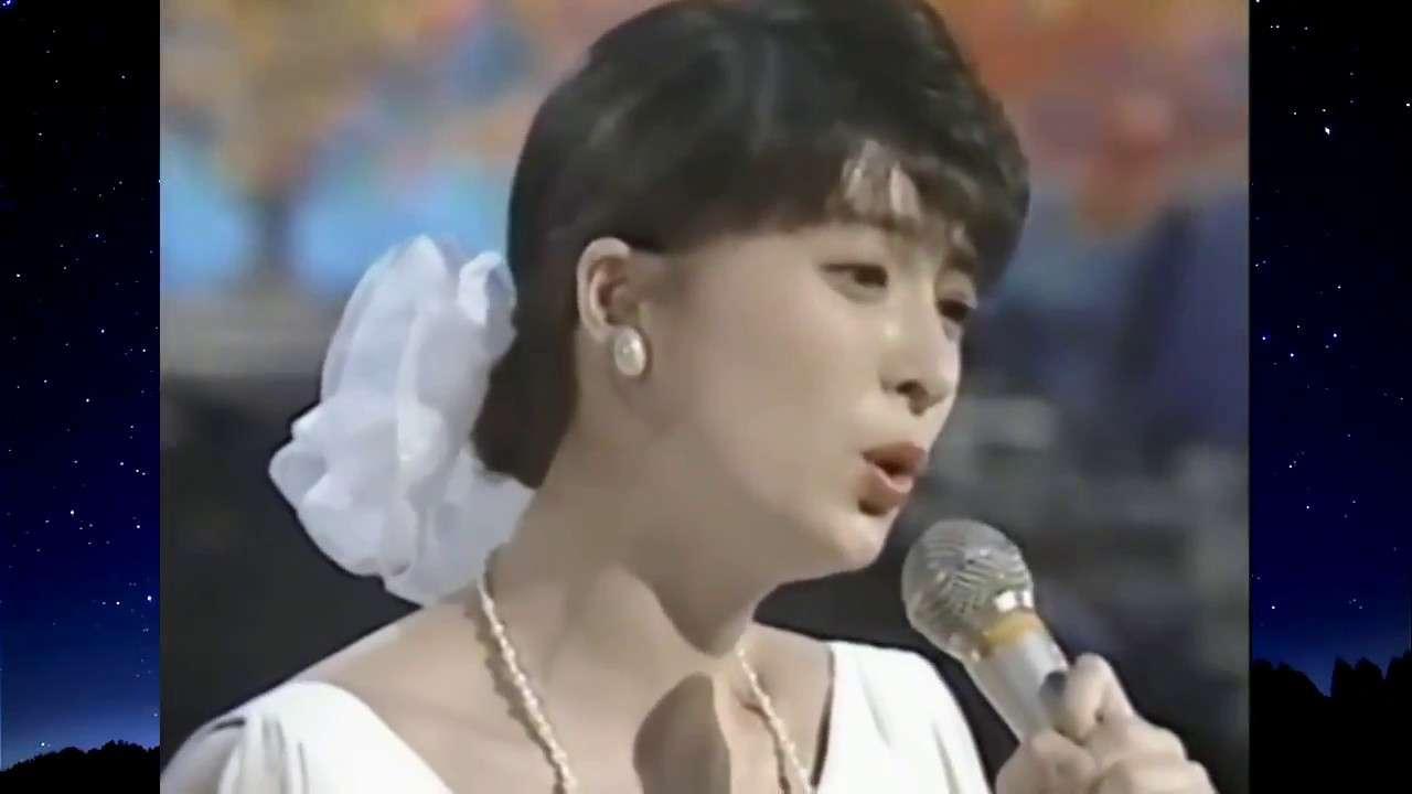 作曲  河合奈保子  名曲選 ハーフムーン・セレナーデ - YouTube