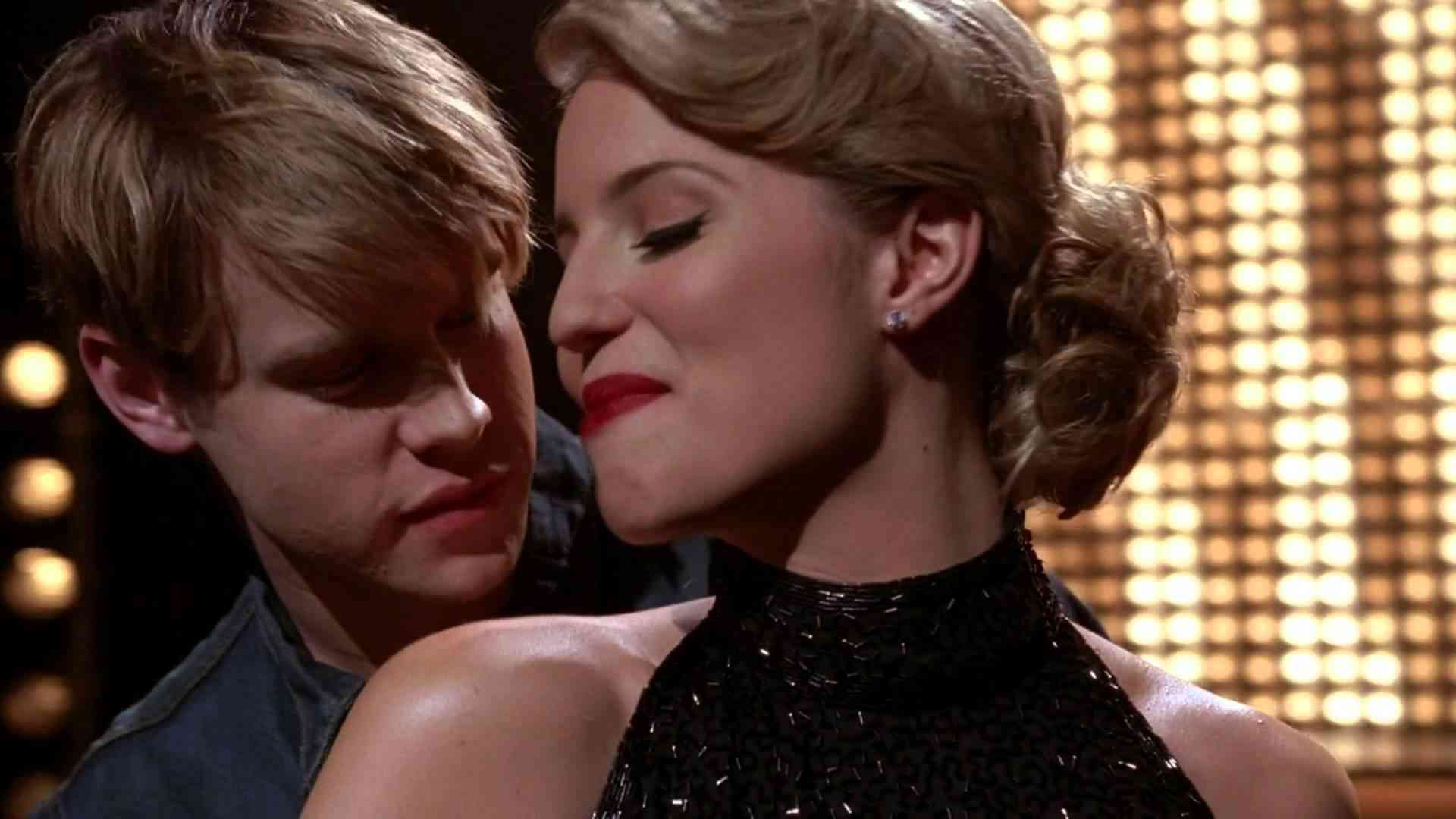 "GLEE - Full Performance of ''Never Can Say Goodbye'' from ""Michael"" - YouTube"
