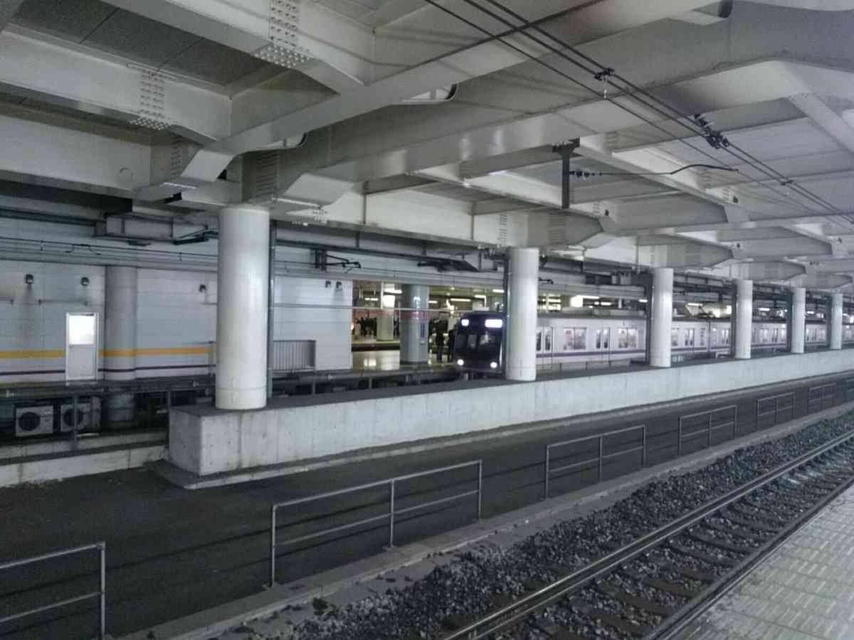 渋谷駅でホーム大混雑 大雪の影響で入場規制