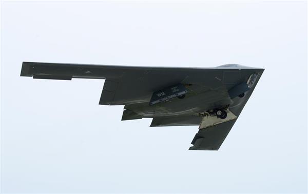米軍、B2爆撃機3機をグアムに配備 北朝鮮牽制 - 産経ニュース