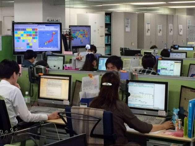 事務の9割、AIが代替 三井住友海上の営業職  :日本経済新聞