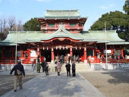 富岡八幡宮初詣客「どれだけ減るか…」商店街は不安