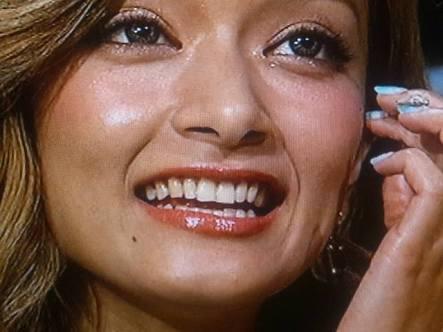 """ローラがTwitterで""""テレビに積極的に出演する""""という宣言をし、ファンから歓喜の声"""