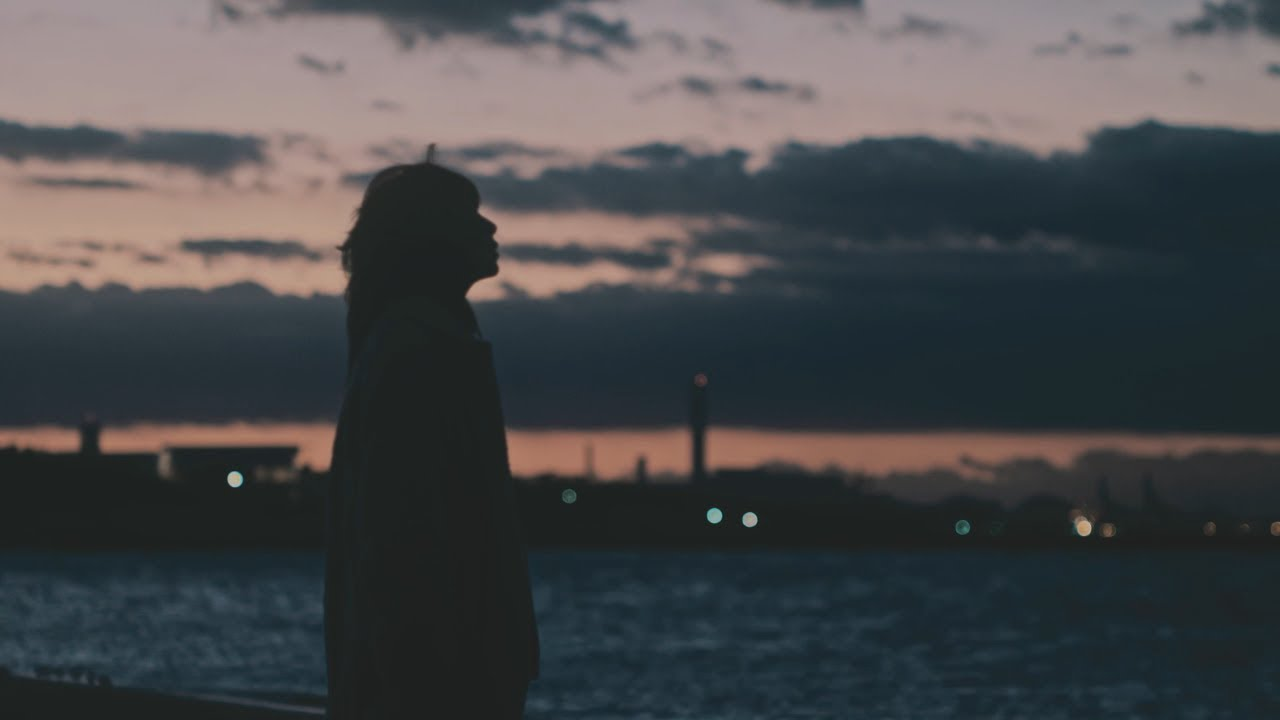 aiko 『月が溶ける』music video - YouTube