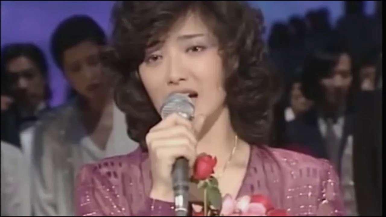 山口百恵 - さよならの向こう側【高画質、wide】 - YouTube