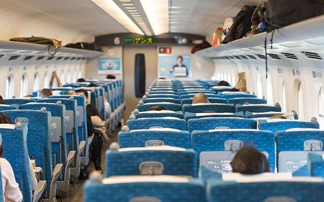 「自由席ですけど、何か?」 新幹線で耳を疑うような会話が繰り広げられていた  –  grape [グレイプ]