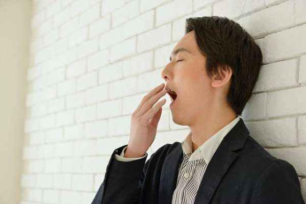 年始の休み明けで「だるさ感じる」という人が7割 眠くて仕方ないときは仮眠、もしくは交感神経を刺激
