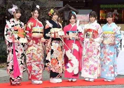 乃木坂46・星野みなみ&樋口日奈ら、晴れ着姿で成人式   ORICON NEWS