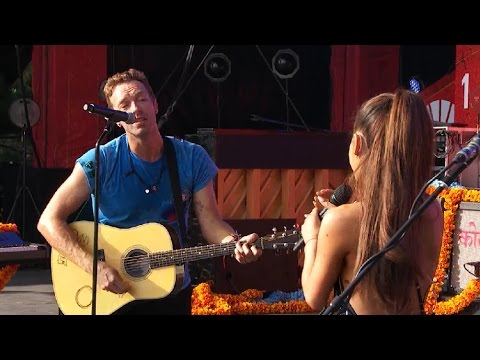 Ariana Grande & Coldplay - Just a Little Bit of Your Heart (Global Citzen 2015) - YouTube