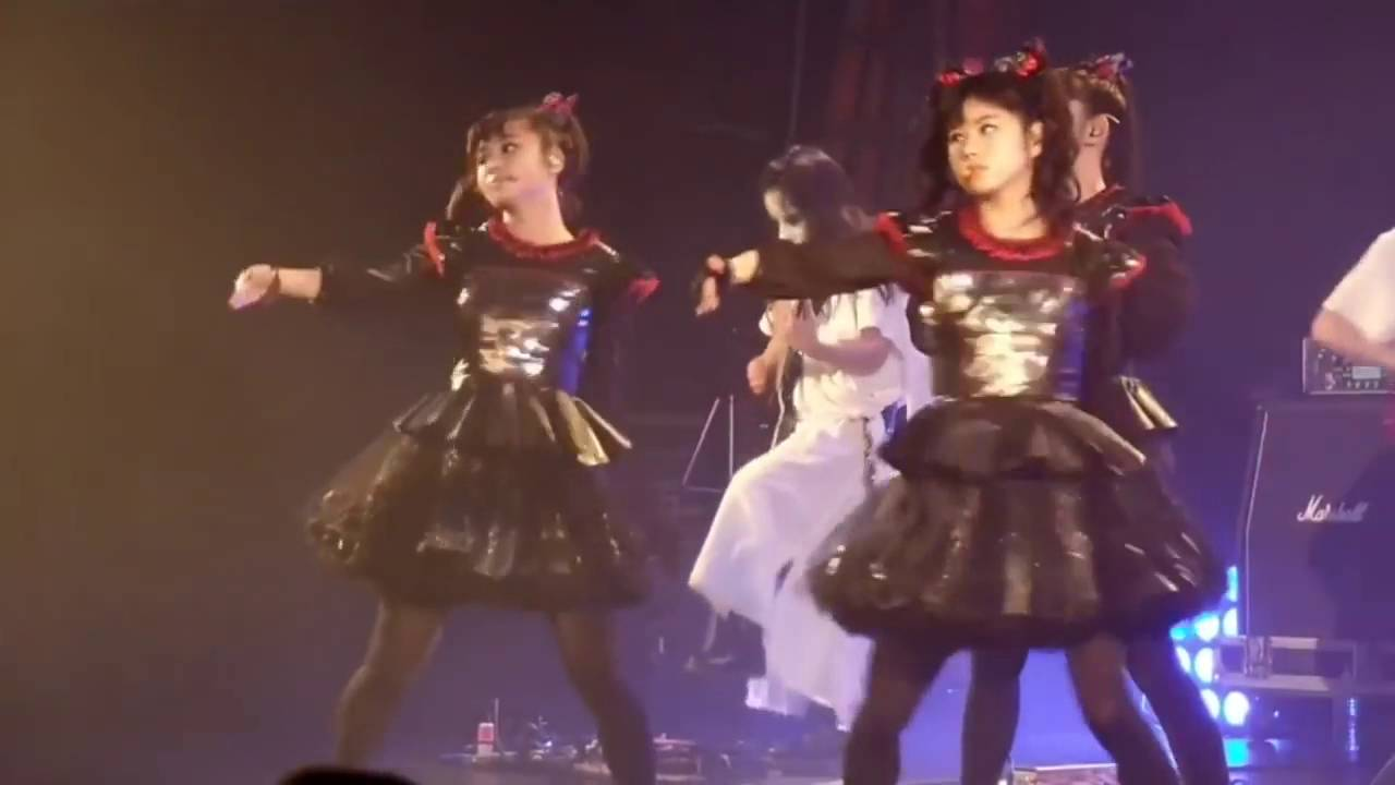 BABYMETAL - Awadama Fever (Live) - YouTube