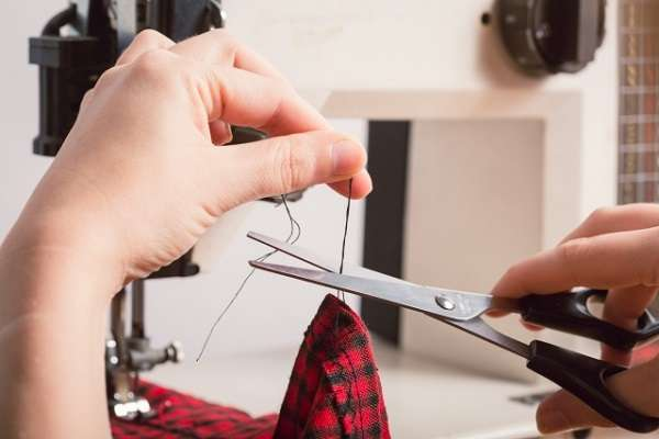 義務教育で「ちゃんとやっておけば良かったと後悔してること」家庭科で裁縫が苦手だった人が後悔する理由