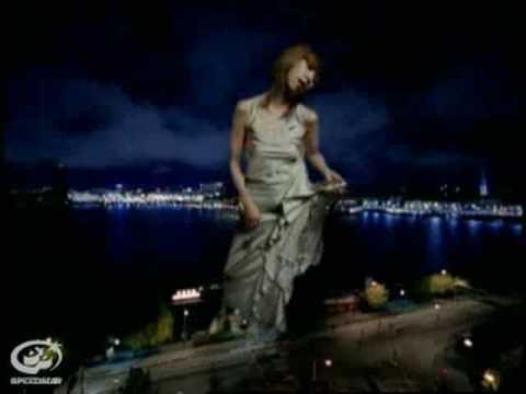 数え足りない夜の足音/UA  (Video Clip) - YouTube