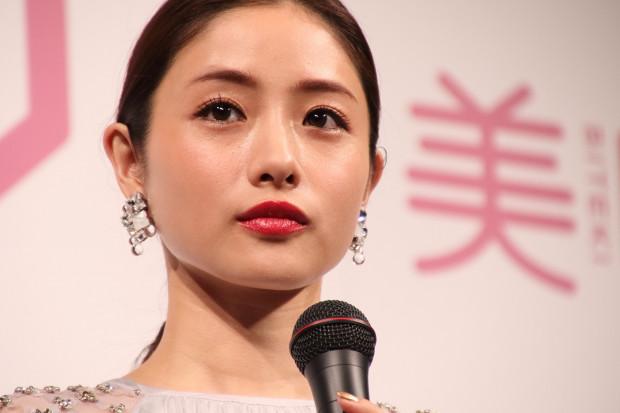 石原さとみ、窪田正孝らの骨格写真を公開 「骨さえきれい」と反響 - ライブドアニュース