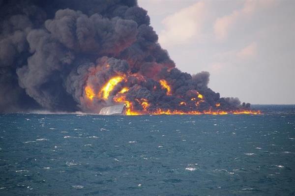 上海沖で衝突のタンカー、日本の排他的経済水域内で沈没か - 産経ニュース