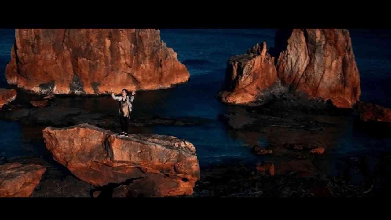 三浦大知 (Daichi Miura) / 「Darkest Before Dawn -Music Video-」 - YouTube