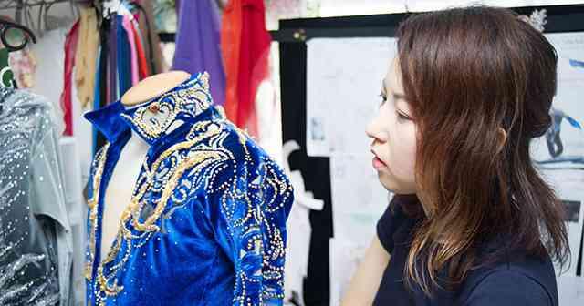 日本フィギュア支える名デザイナー。宇野昌磨の衣装、ある秘密とは。 - フィギュアスケート - Number Web - ナンバー