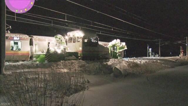 JR信越線 大雪で半日以上動けず 430人が車内に | NHKニュース