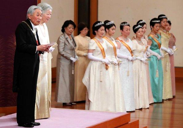 皇居で講書始の儀 雅子さまは15年ぶり出席