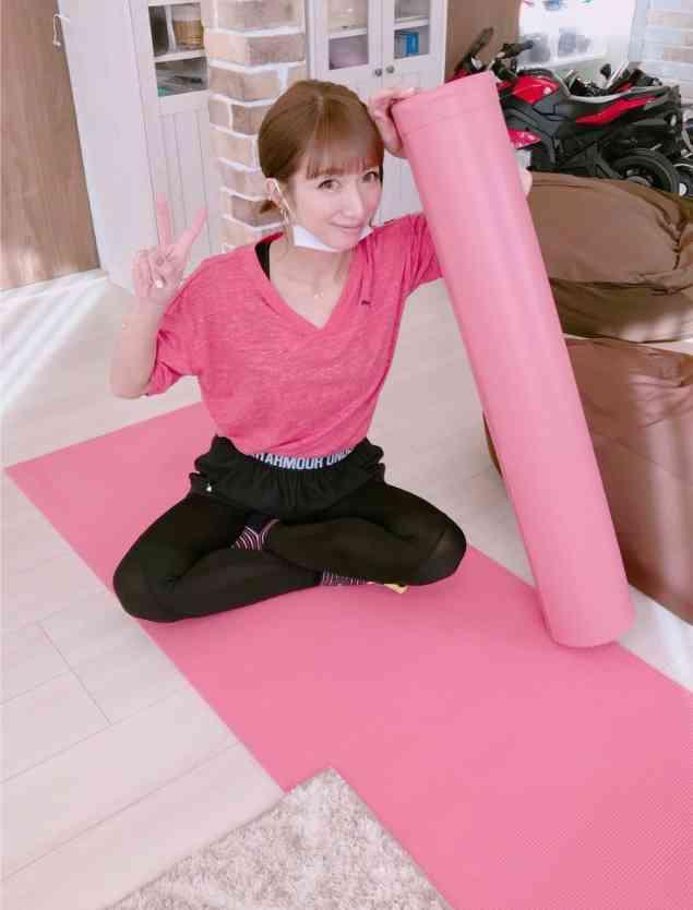 辻希美、30歳になって「肉付きが変わった」と実感 自宅トレーニングを開始