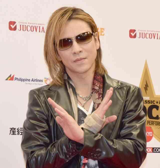 YOSHIKI、ドラムでライブ復帰へ 4月米フェスで手術後初のフルステージ挑む   オリコンミュージックストア