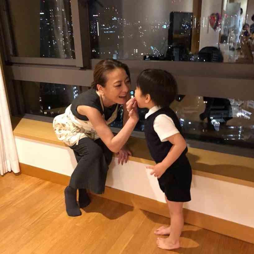 西川史子「あー産みたい」 友利新の息子と遊ぶうちに思いが募る