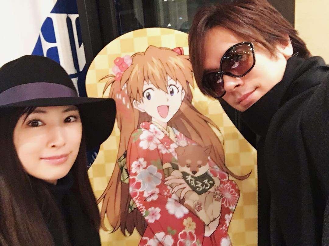 DAIGO&北川景子、結婚記念日2ショットに「ラブラブ」「素敵すぎる」と反響