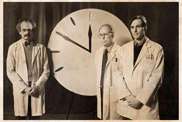 「終末時計」過去最短の残り2分に 核開発やドナルド・トランプ氏が影響