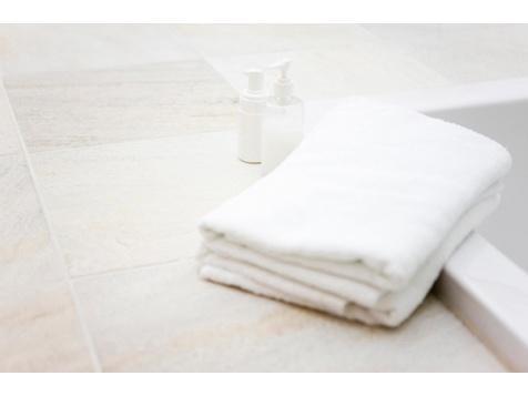 使用後のバスタオルは雑菌だらけ…3日目で雑巾並み、1週間では排水溝並み