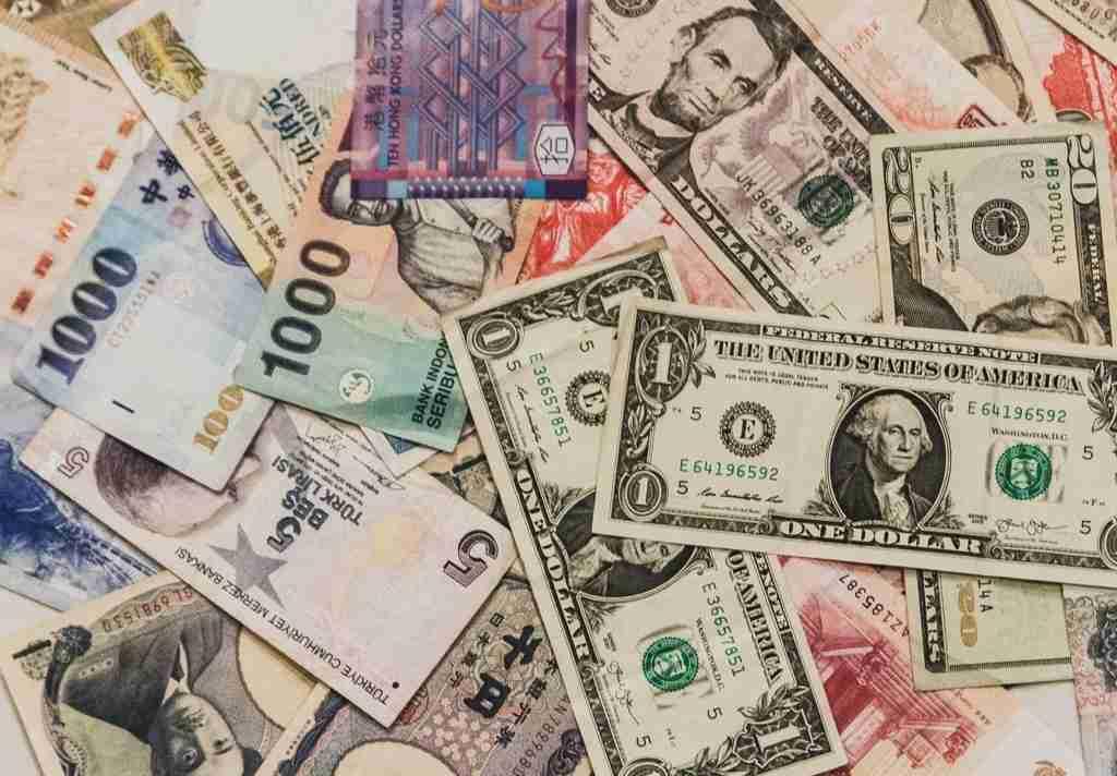 【美輪明宏】お金と幸せ、正負の法則について語る - 美輪明宏ラジオの名言
