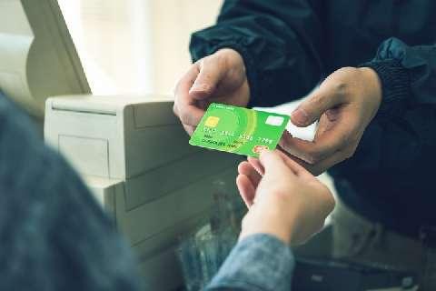 店舗のクレカ金額制限は加盟店規約違反、「5000円から」「ランチではお断り」はNG - 弁護士ドットコム