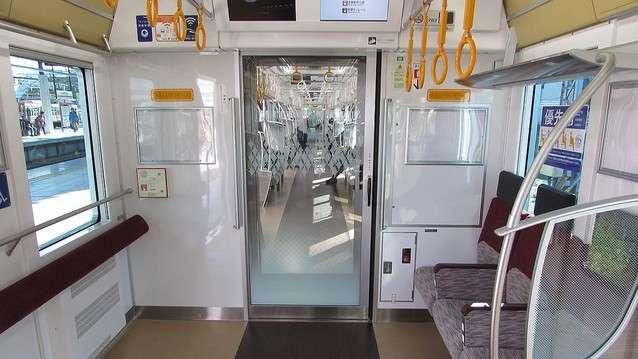 電車の優先席で障害者に席を譲らぬ若者に苦言「ひどい世の中」 (2018年2月15日掲載) - ライブドアニュース