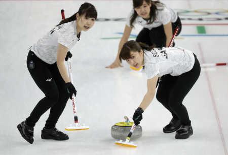 カーリング女子が五輪初・開幕3連勝の快挙 逆転で韓国を撃破 - ライブドアニュース