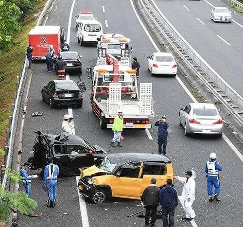 産経報道「米兵が救助」米軍が否定 昨年12月沖縄自動車道多重事故 (琉球新報) - Yahoo!ニュース