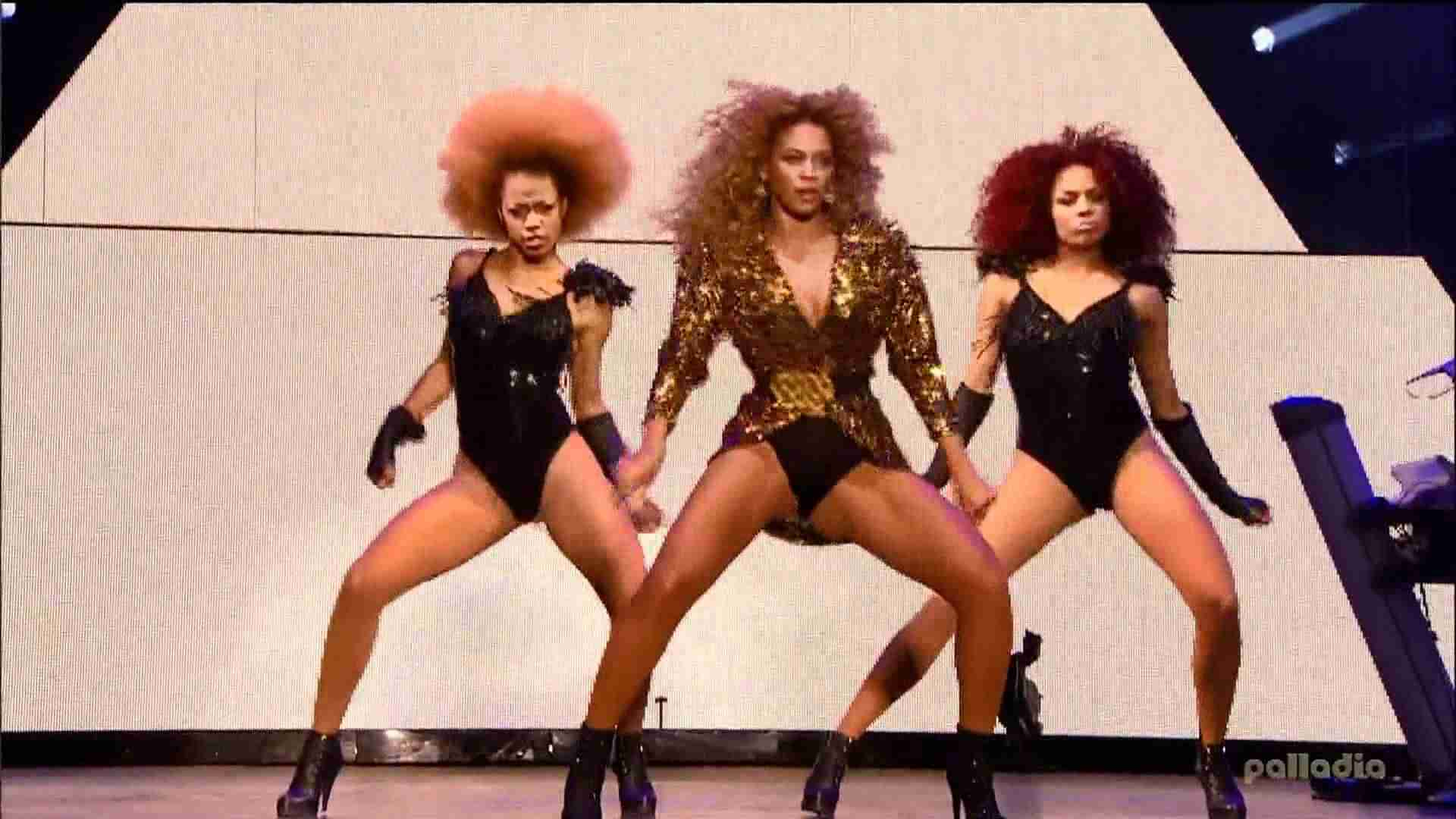 Beyonce Single Ladies Live Glastonbury 2011 - YouTube