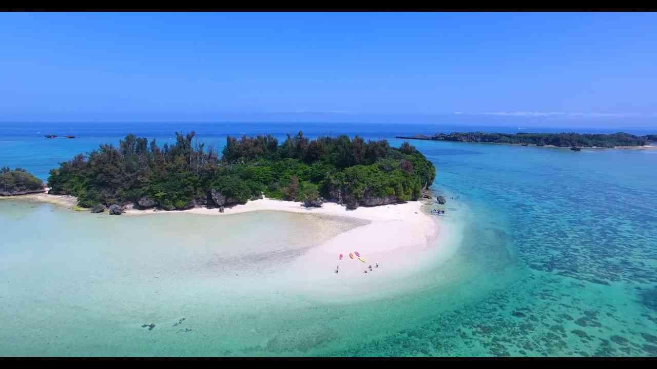 [4K]ヨー島 ドローン空撮  Okinawa Drone Footage  沖縄 観光 - YouTube