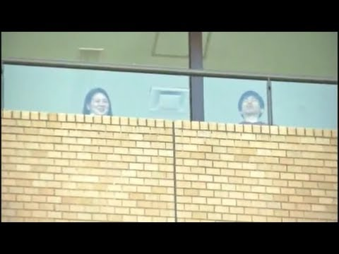 【朝日新聞】慰安婦デモを見下す朝日社員 - YouTube