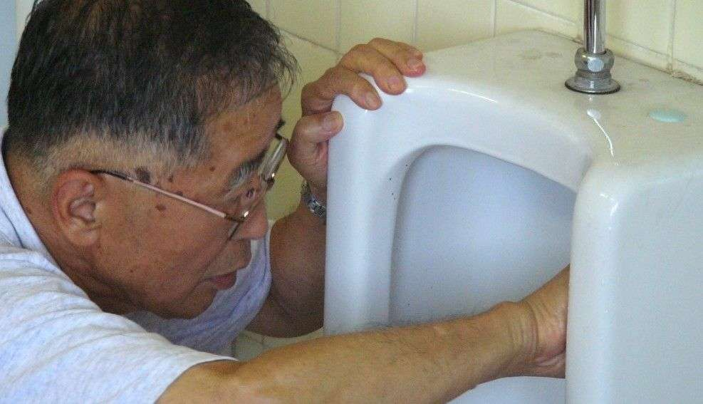 81歳創業者は、なぜトイレを素手で磨くのか | 日本のトイレは地球を救う | 東洋経済オンライン | 経済ニュースの新基準