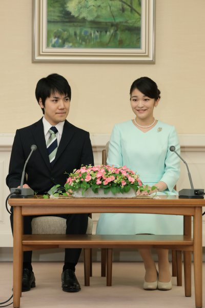 眞子さまと小室圭さんの婚約関連行事、再来年に延期へ