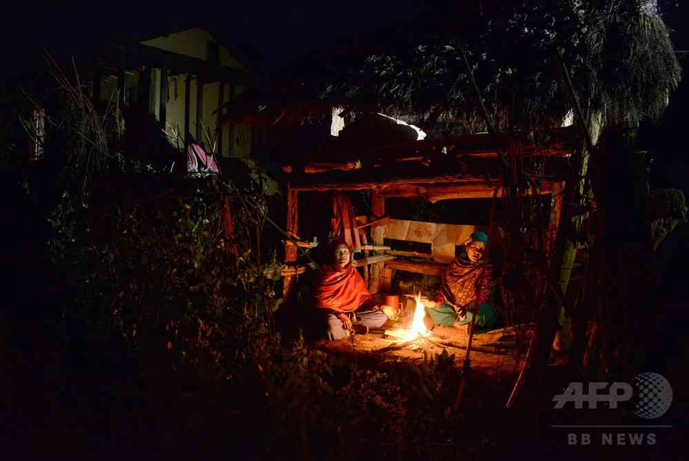 生理のため小屋に隔離された女性が死亡、窒息死か ネパール