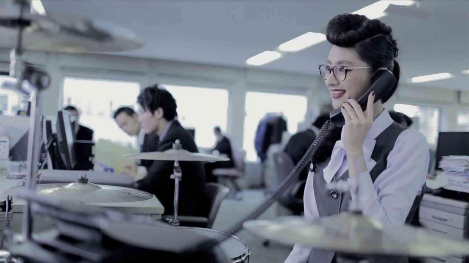 シシド・カフカ / Miss.ミスミー ~ 我が儘 - YouTube
