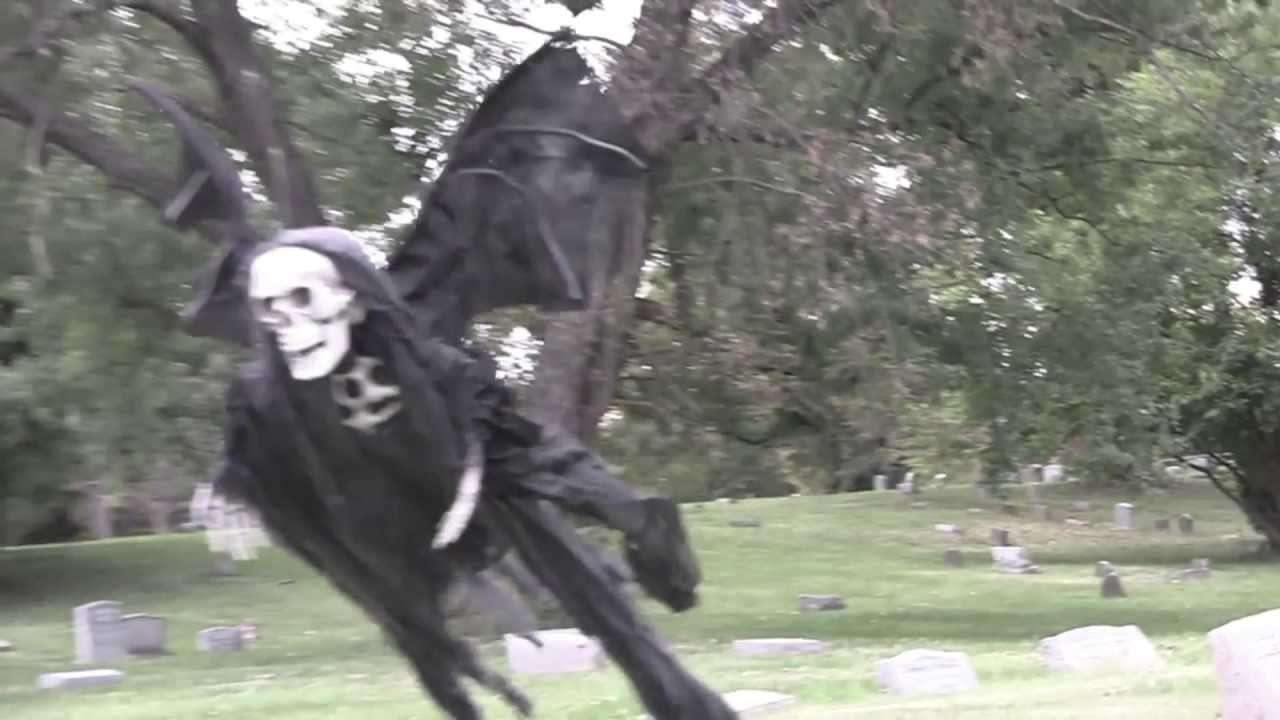 Epic Halloween Prank by Tom Mabe - YouTube