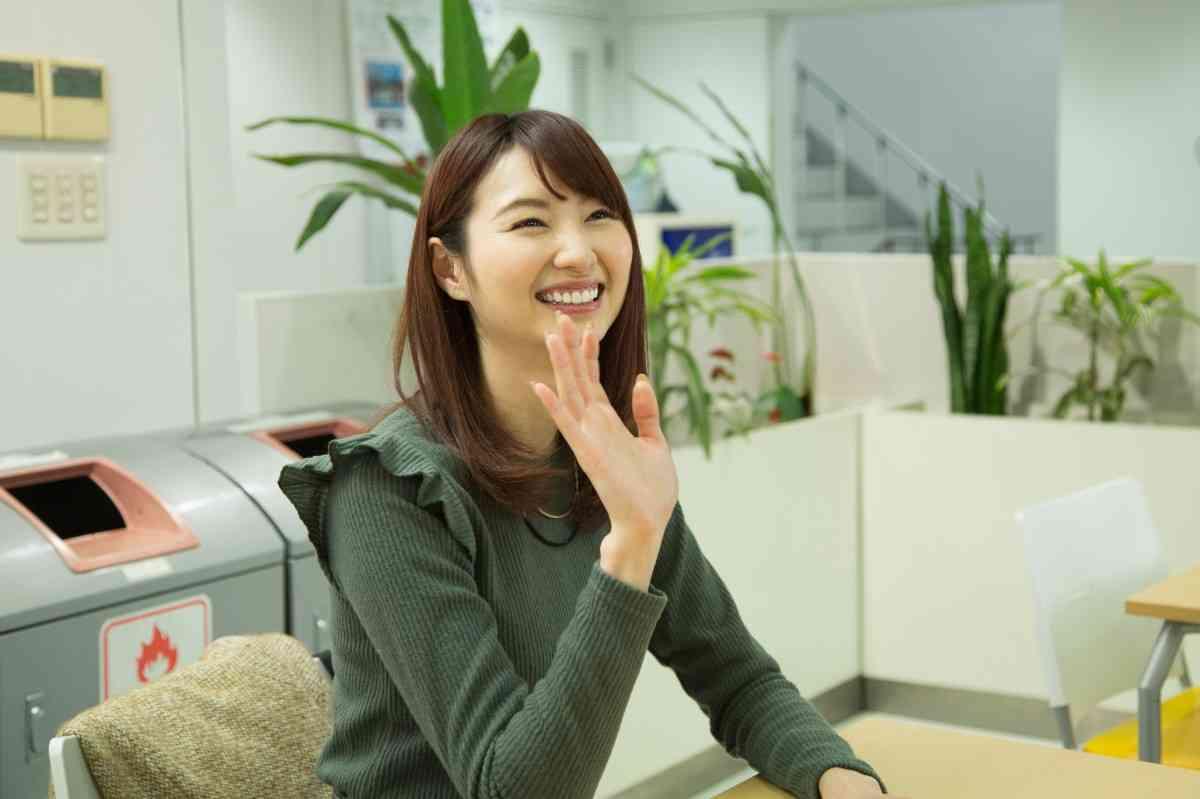 戸松遥、本人役で声優ドラマ「声ガール!」出演 - シネマトゥデイ