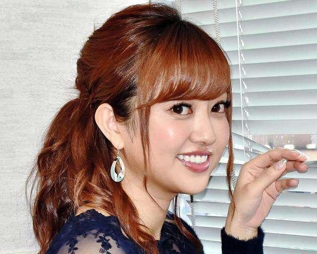 菊地亜美 ダイヤ入り結婚指輪披露 夫はプロサッカー選手目指し海外留学も