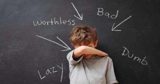 ADHDの特徴、女性は顔に出る!?大人男性と子供の場合、治療方法はこちら…! | 100テク